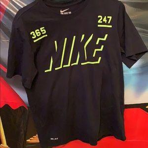 Nike Dri Fit Men's med